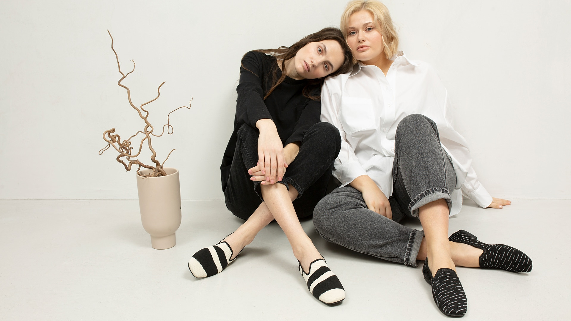 VIVAIA-SustainableShoes-Loafers-Marina-Model