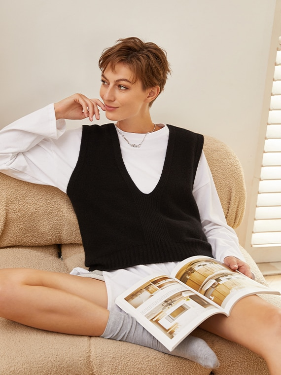 VIVAIA-Sustainable-Knitwear-SolidBlack